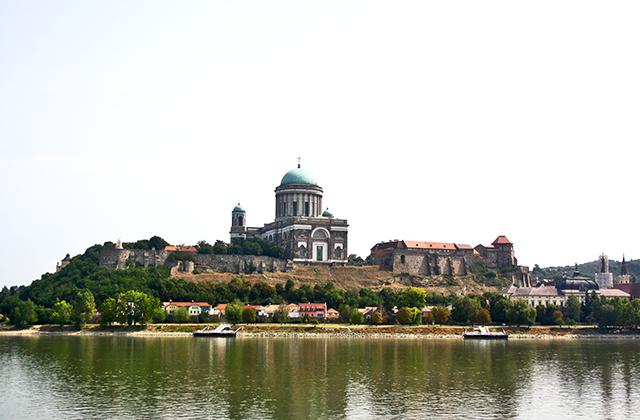 Esztergom, la sagrada y real perla del Danubio