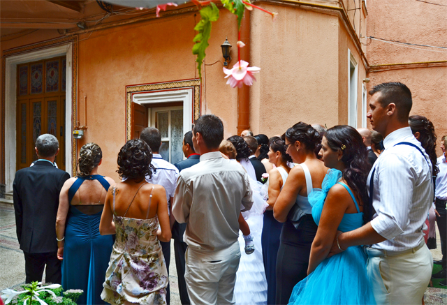 Invitados boda rumana Brasov
