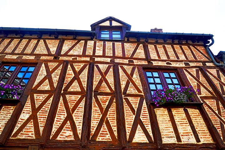 Picado fachada medieval casa tradicional centro histórico castillo Amboise Francia