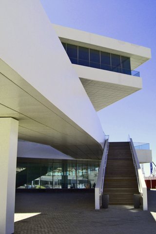 Edificio David Chipperfield arquitectura vanguardista puerto Valencia
