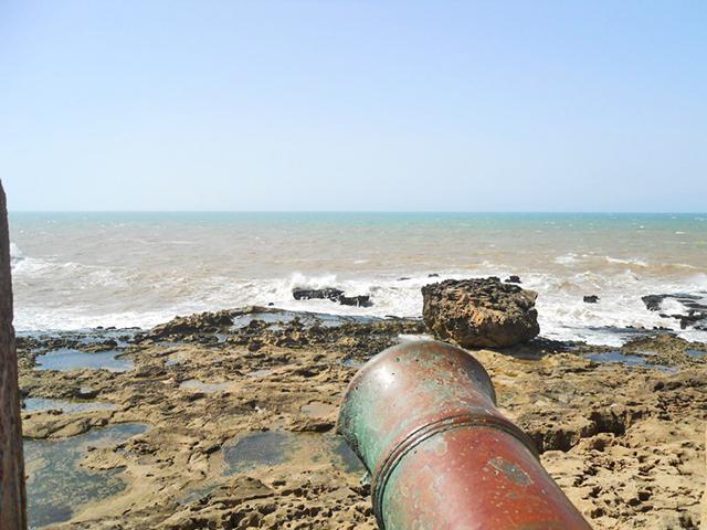 Cañón Bastion del Norte puerto Océano Atlántico Essaouira