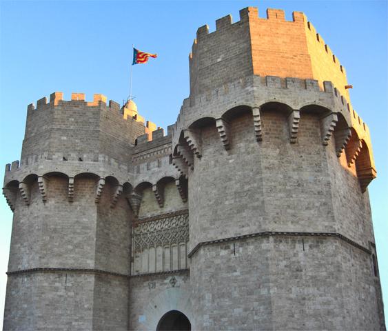 Torres Serranos bandera Comunidad Valenciana Jaume I entrada Valencia