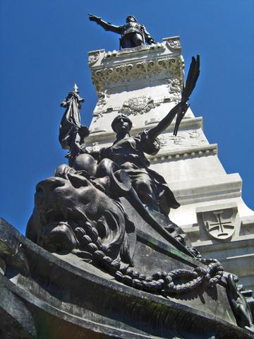 Escultura Luis de Camoes Jardin do Infante Dom Henrique Oporto