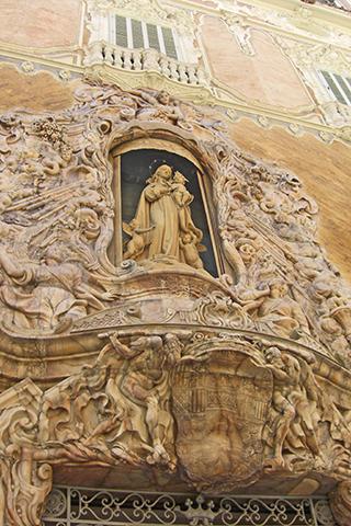Fachada gótica virgen Palacio Marqués Dos Aguas centro histórico Valencia