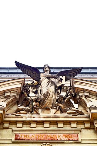 Escultura ángel niño Grand Theatre Leon Rohard Tours