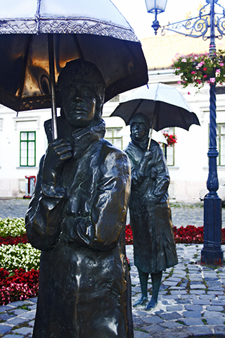 Esculturas paraguas Varga Imre Gyüjtemény