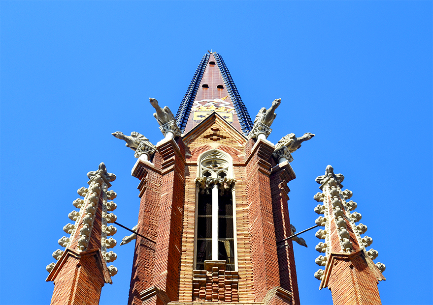 Detalles torre modernista Iglesia Carmen centro Tarragona