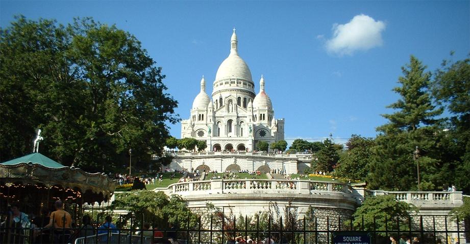 Panorámica Basílica Sagrado Corazón tiovivo Amélie Montmartre París