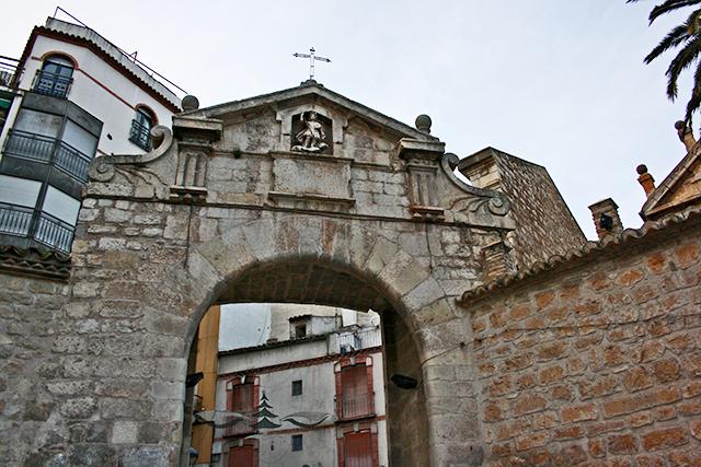 Puerta Ángel piedra San Ildefonso Jaén