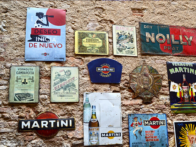 Placas publicidad Museo Vermut Reus