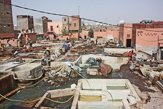 Panorámica barrio curtidores pieles cubetas color Marrakech