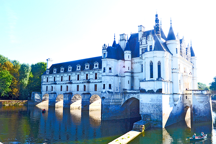 Panorámica laterial Castillo Chenonceau río Cher reflejo