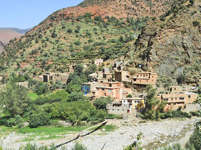 Casas típicas bereberes montaña ruta carretera Atlas Marruecos