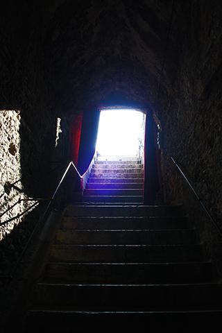 Vomitorio oscuro salida Arena anfiteatro Verona