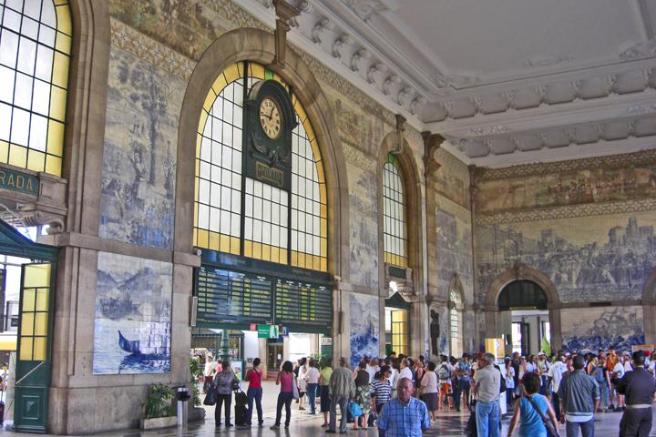 Azulejos estación tren Sao Bento Oporto