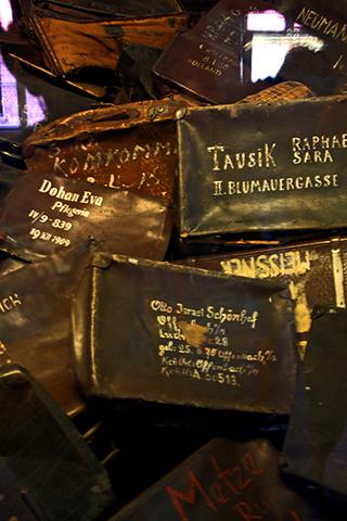 Carteras judíos abandonadas campo concentración Auschwitz Polonia