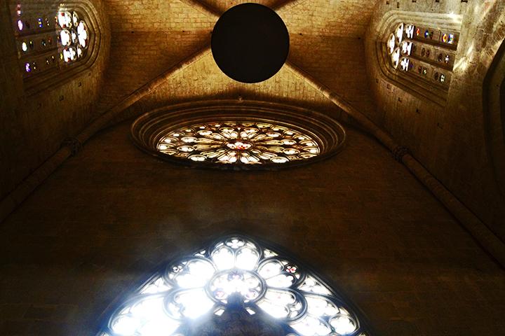 Picado iluminación nave principal rosetón Seu Catedral Santa Tecla Tarragona