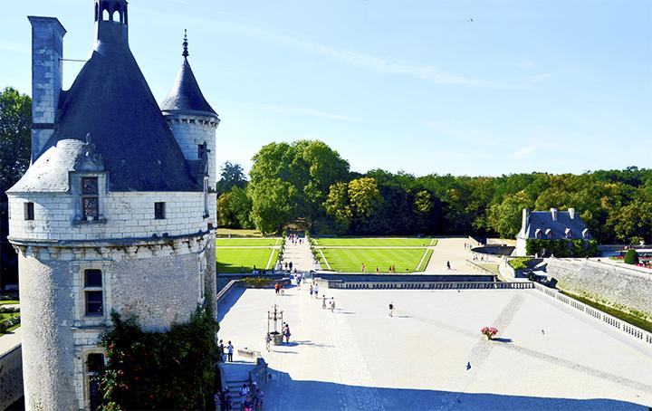 Vistas alturas patio exterior jardines castillo à Chenonceau Francia