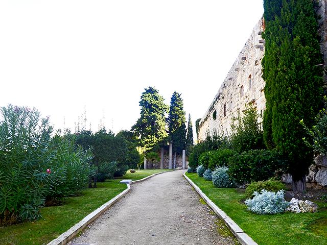 Paseo muralla esculturas arqueología centro histórico Tarragona