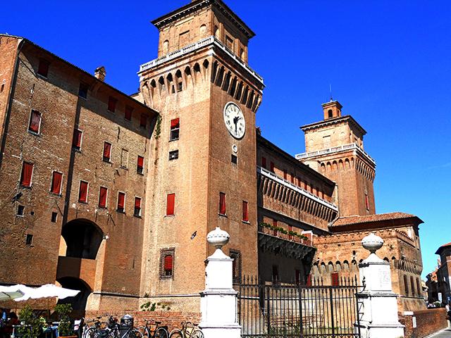 Torres reloj Castillo del Este siglos XII XVI Ferrara