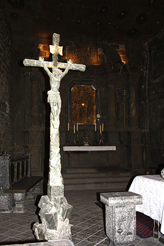 Crucifijo iglesia interior Minas sal Wieliczka Cracovia Polonia