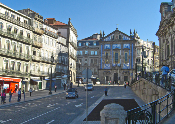 Plaza Almeida Garret Estación Sao Bento Oporto