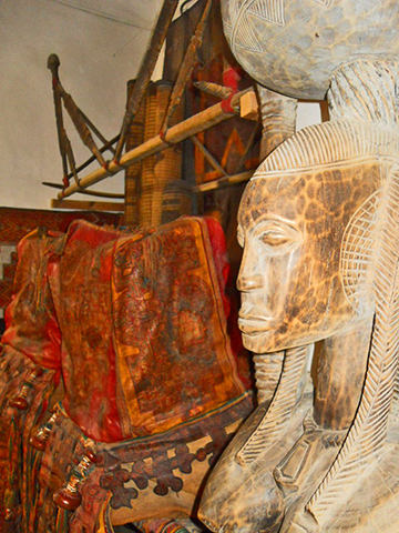 Máscara África objetos Museo Bert Flint Marrakech