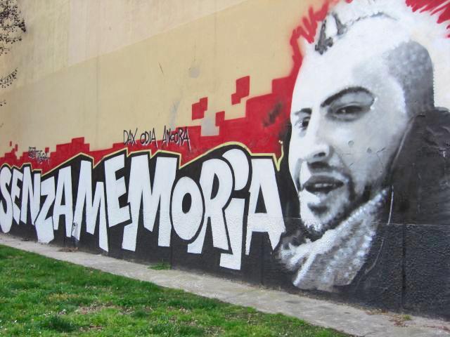 Graffiti Senza memoria pared Sant Ambroggio Milán