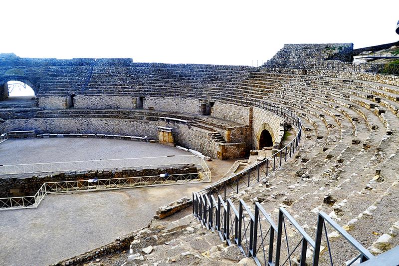 Panorámica gradas anfiteatro romano Tarragona Patrimonio Humanidad