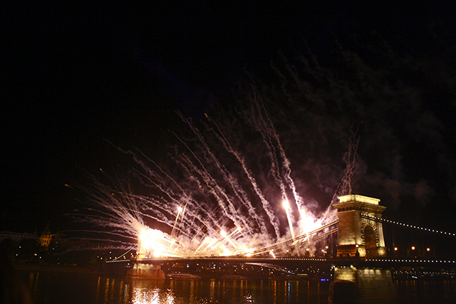 Fuegos Artificiales Danubio Budapest