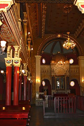 Interior decoración sinagoga barrio judío Cracovia