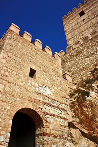 Picado entrada torre Alcazaba Murallas Cerro de San Cristóbal