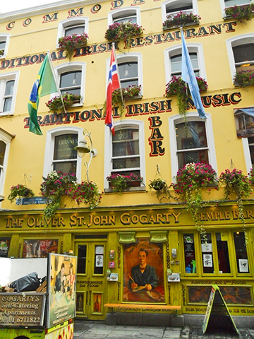 Fachada pub The Oliver St. John Gogarty Temple Bar Dublin