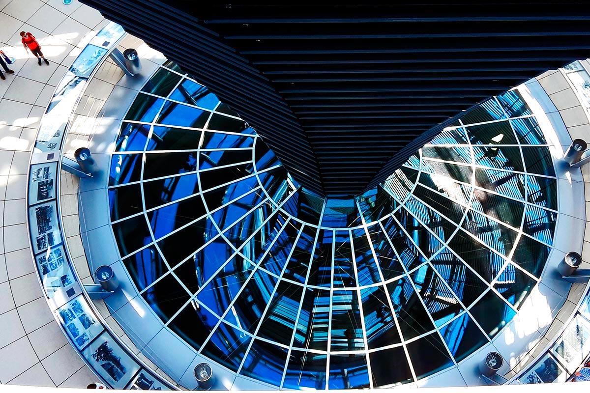 Picado cristalera Reichstag Parlamento alemán vistas Berlín